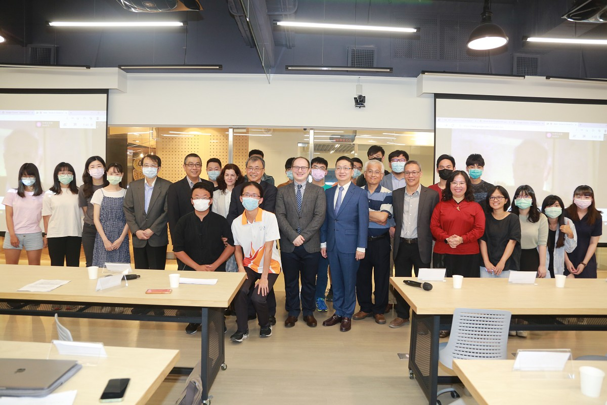 Ceremony held to celebrate donation of global sinology literature