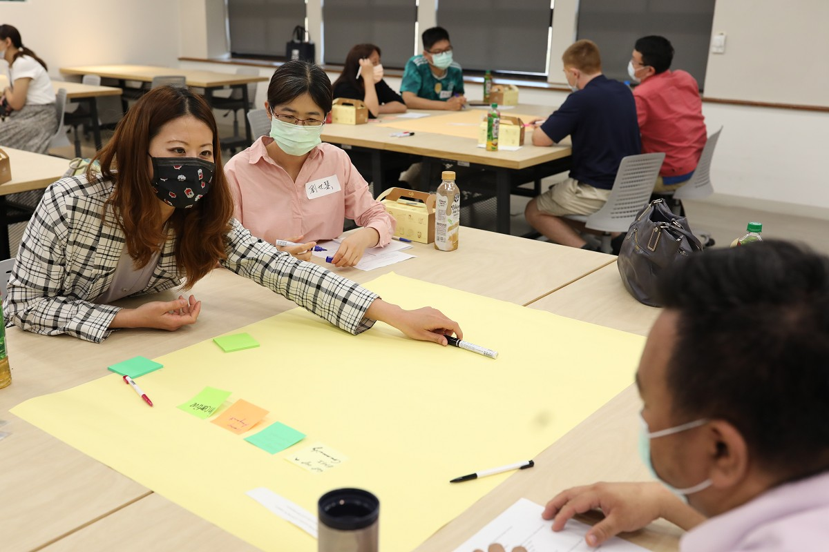 Students retell stories of Sizihwan air-raid shelter in theatre play and photo exhibition