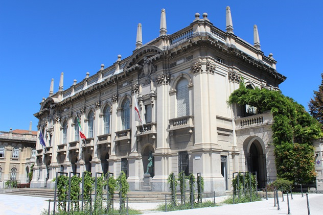 NSYSU College of Management signs an agreement on student exchange program with the top-ranking Politecnico di Milano Graduate School of Business to promote academic and cultural exchange