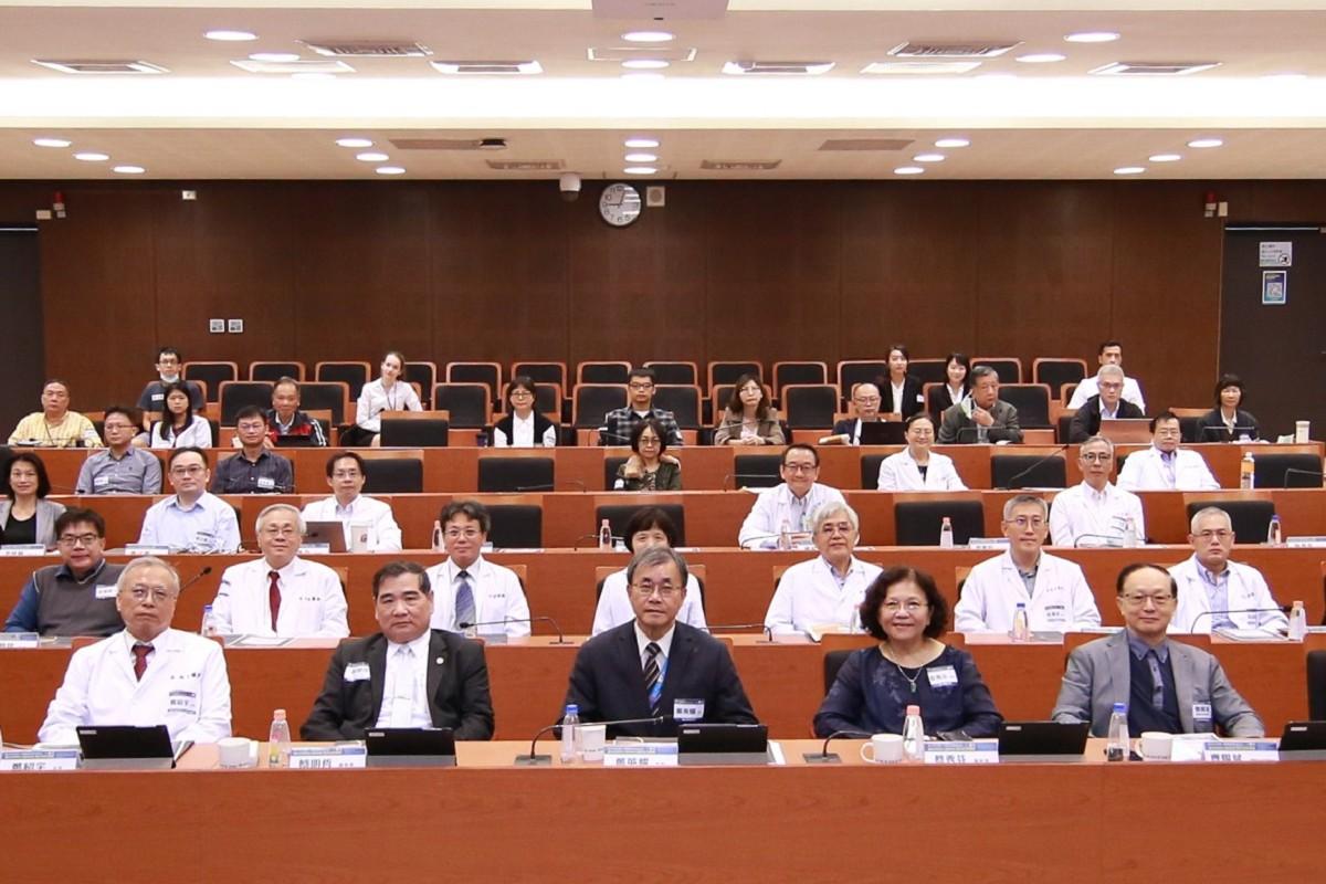 NSYSU organizes alumni banquet to celebrate its 40th anniversary